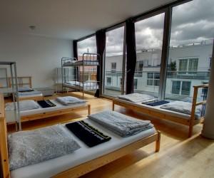 Luxus Mehrbettzimmer mit Terrasse - Heart of Gold Hostel Berlin